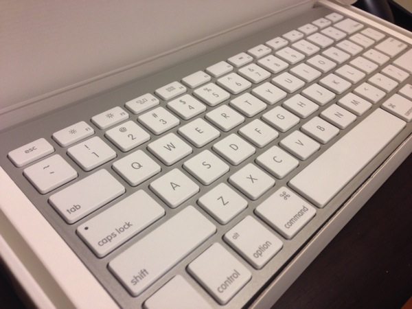 AppleWirelessKeyboard04